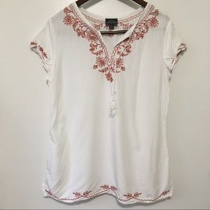 4/$25 NTCO Nomadic Traders Embroidered T-Shirt M